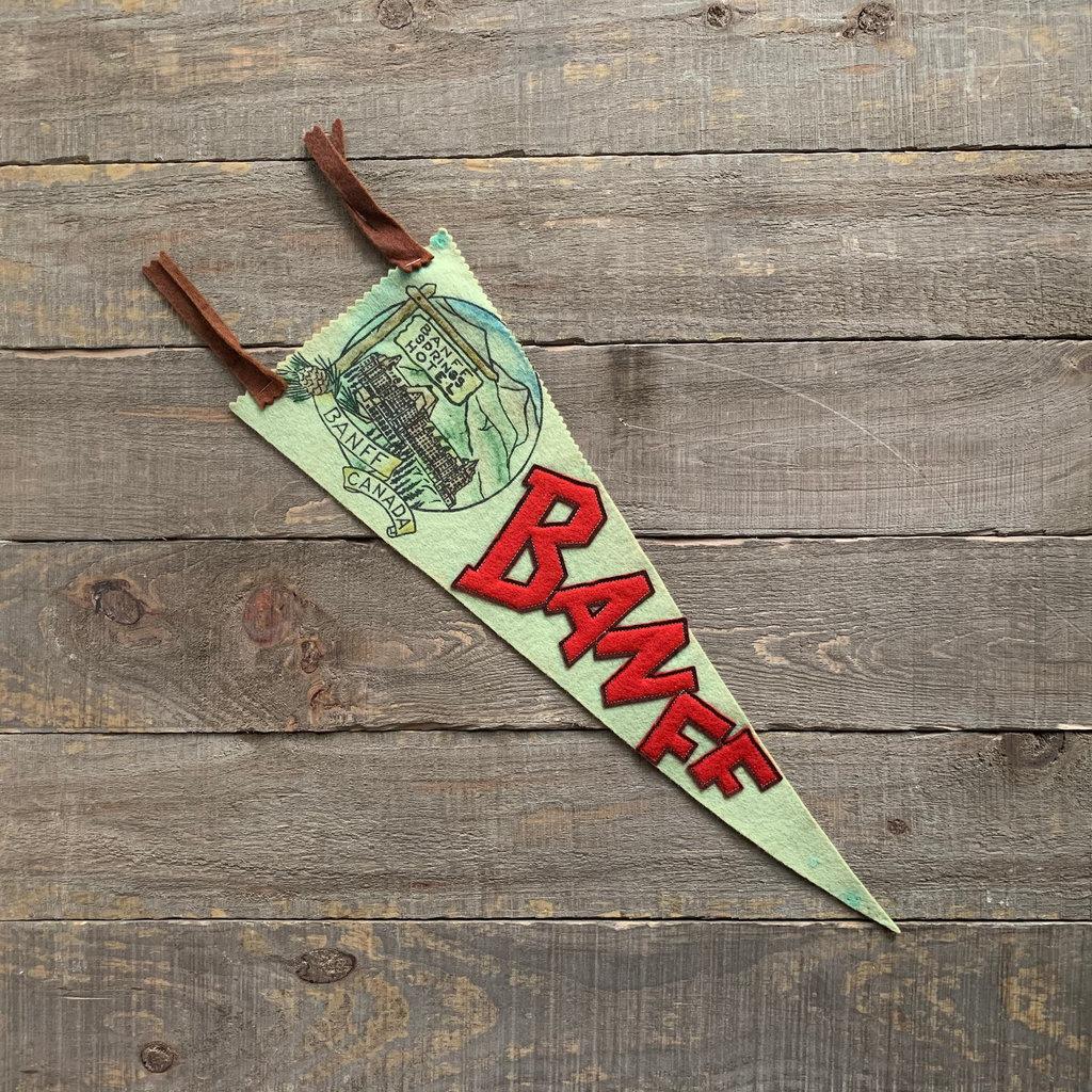 Vivid Vintage Vintage Banff Springs Pennant Green