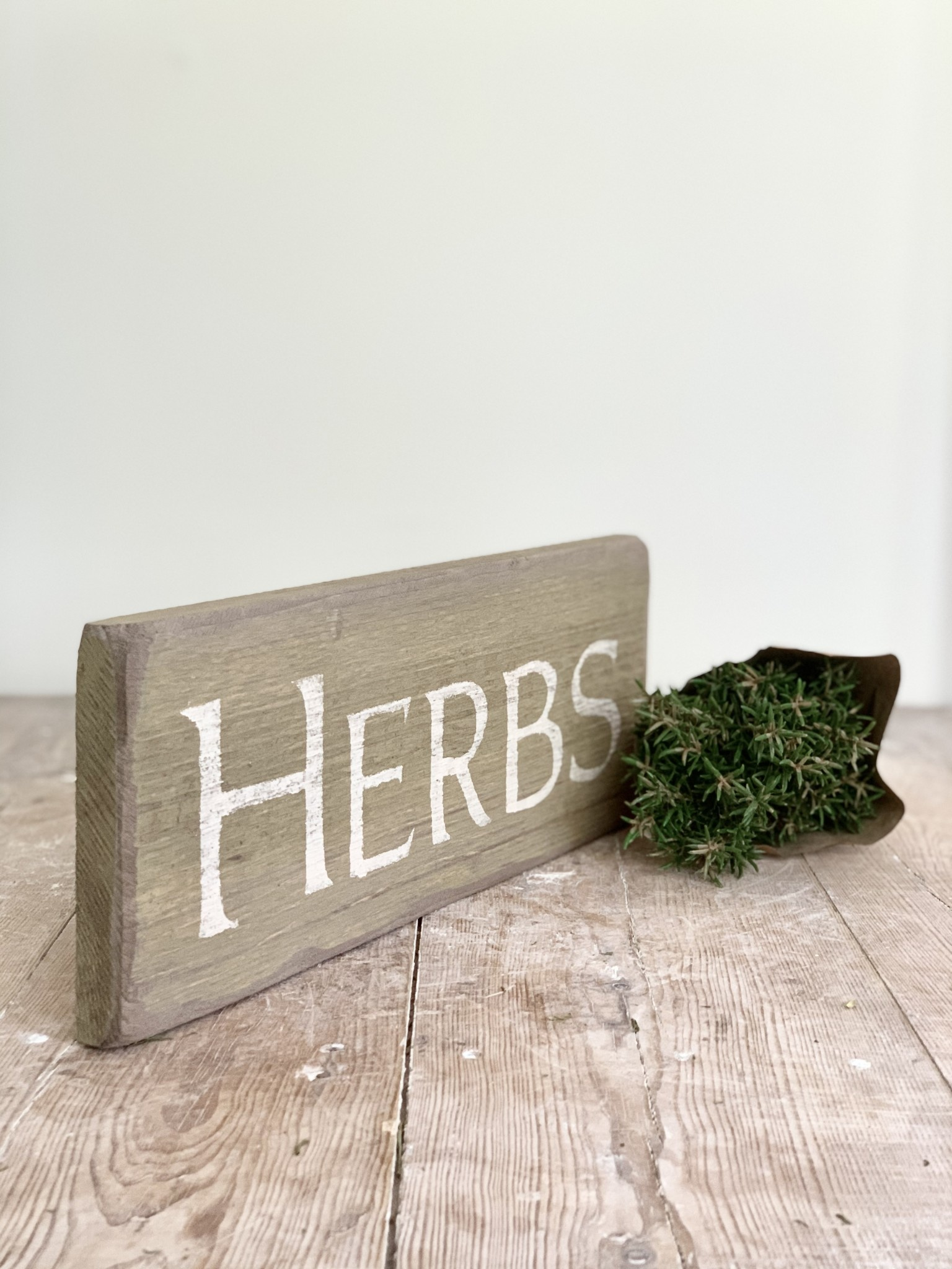 Distressed Herbs Sign