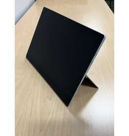 Microsoft (2015) (OPEN BOX/NO CHARGING CABLE) SURFACE PRO 4 (i5/4GB/128GB)