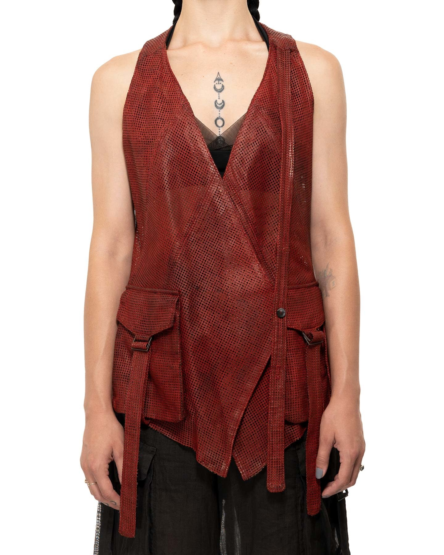 PERFORATED LEATHER VEST - CINAMMON
