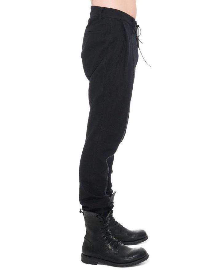 D. HYGEN WOOL × LINEN TUCKED TAPERED PANTS
