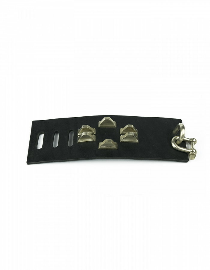PARTS OF 4 RESTRAINT CHARM BRACELET PYRAMID STUDS 70MM - BLK - Z