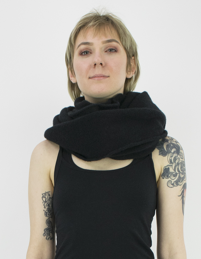 ISABEL BENENATO KNITTED RING SCARF