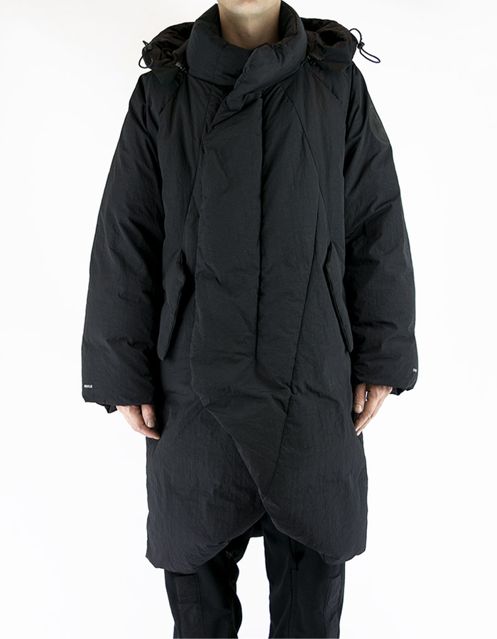 HAMCUS OVERSIZED QUILTED COAT WITH DETACHABLE HOOD - BLACK