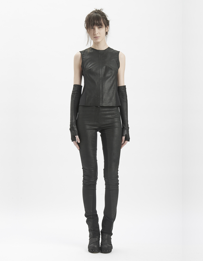 MASNADA SLEEVELESS LEATHER TOP