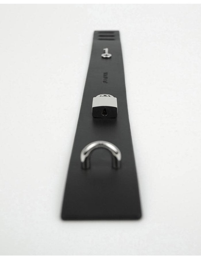 FLEET ILYA PADLOCK COLLAR - BLACK/SILVER