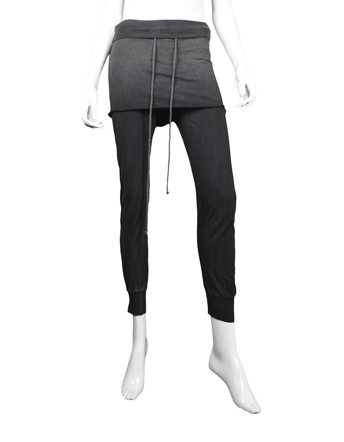 LOST AND FOUND ROOMS SKIRTED LEGGINGS - COLD BLACK