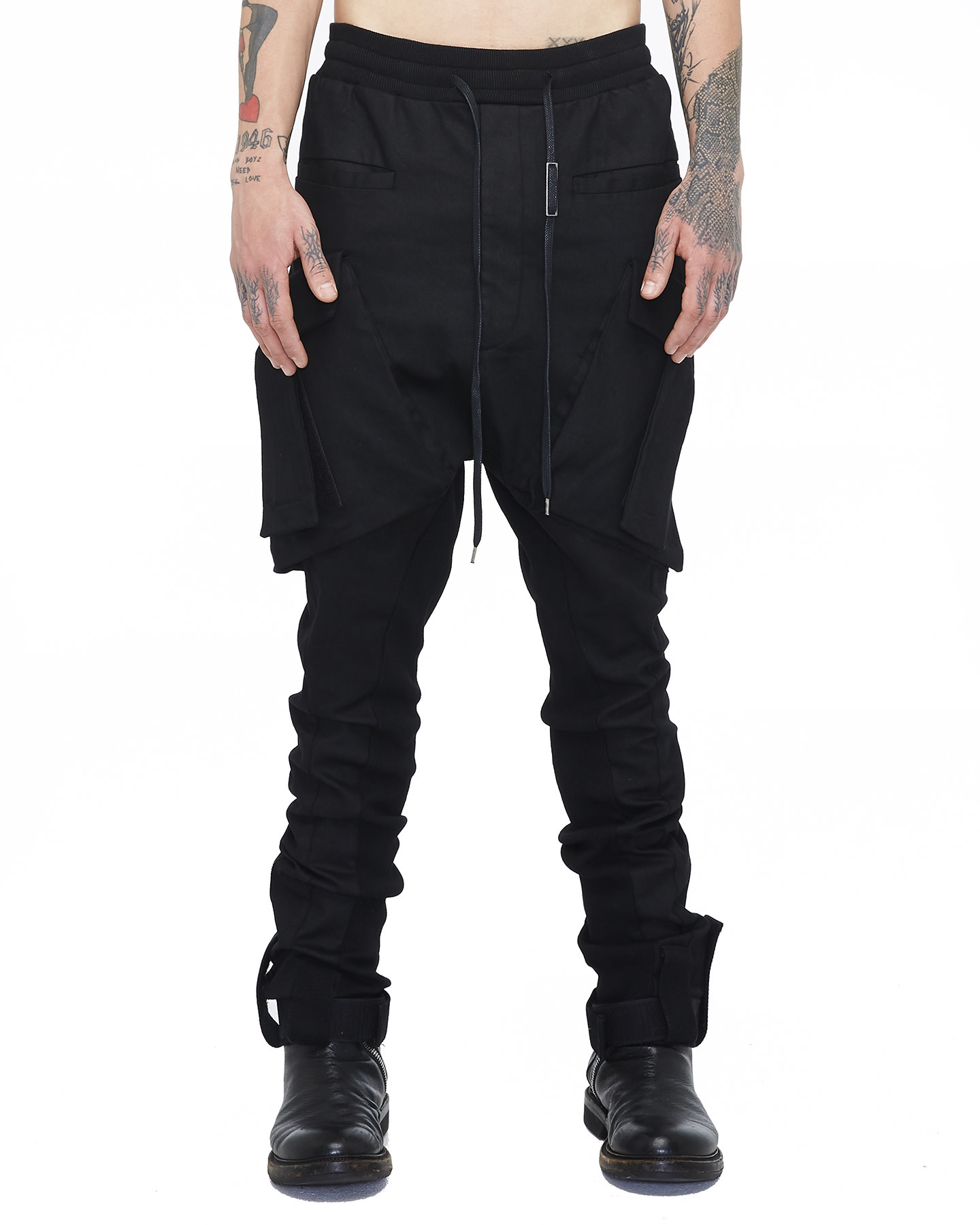 COATED T-POCKET CARGO TROUSERS 68