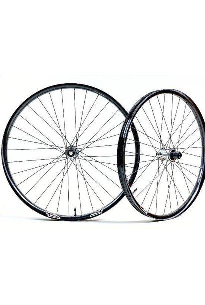 "We Are One Revolution Wheelset Faction 29"" I9 1/1 Boost F/R HG 6b Sapim Race Black"