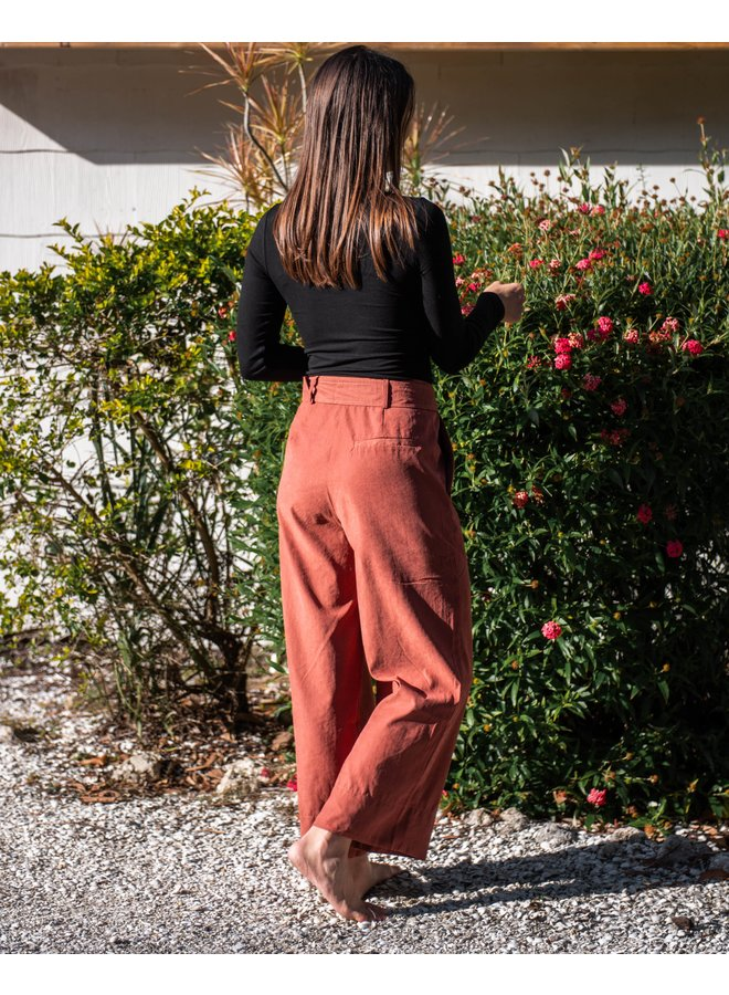 Rust Belted Crop Pant