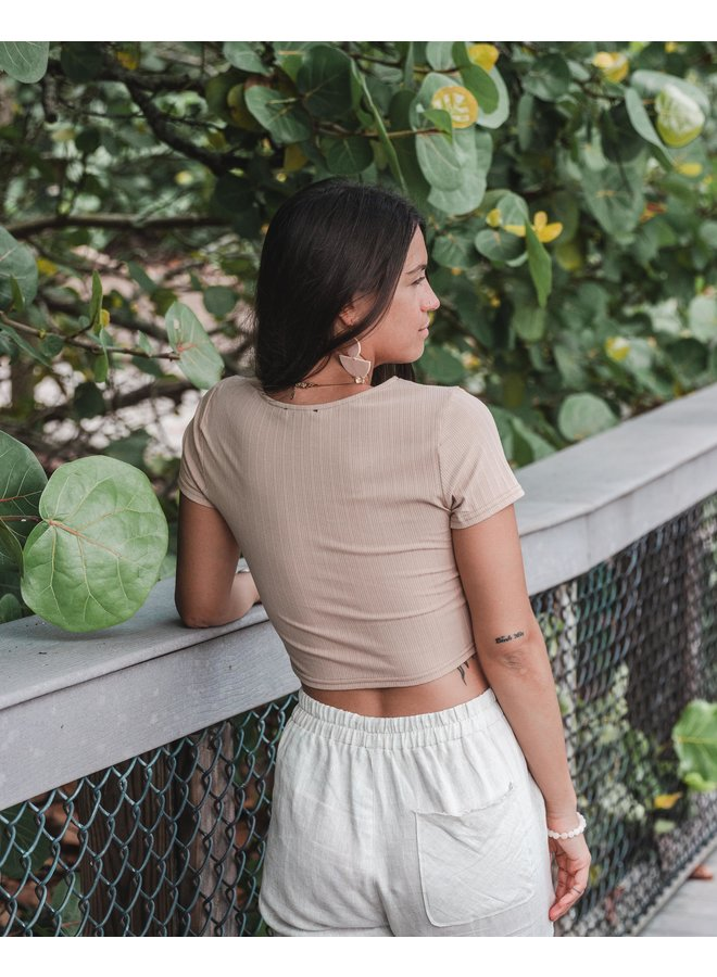 The Traveler's Cropped Tee