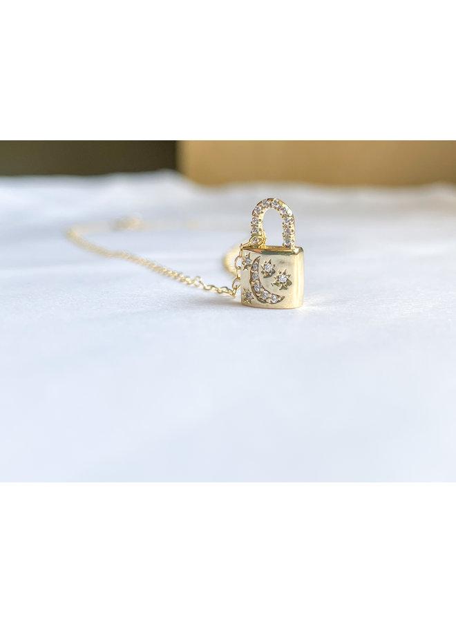 Gld Petite Lock Necklace