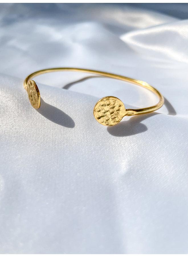 Thin Gold Bangle w/ Beaten Coin