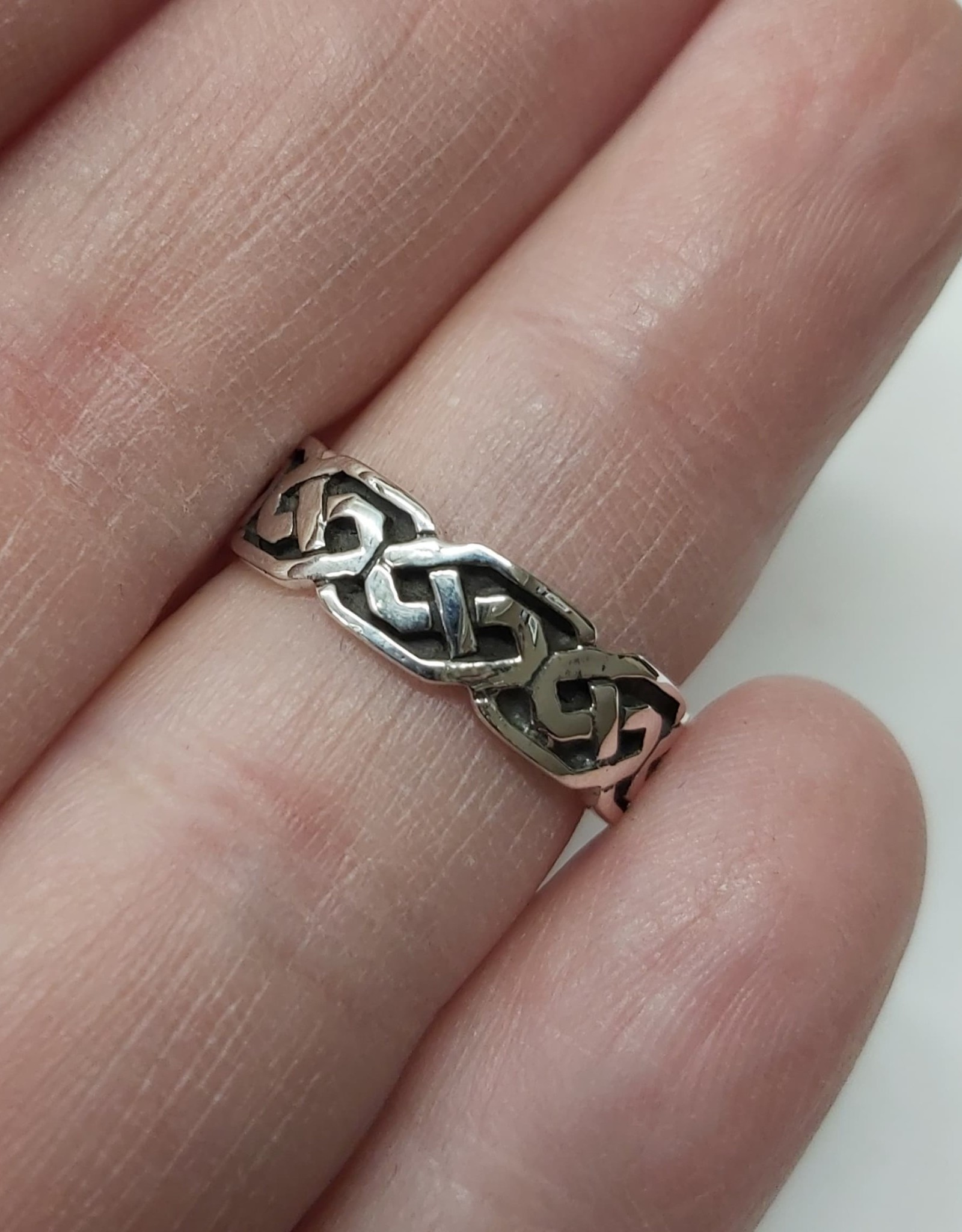 Celtic Band Ring - Size 5 Sterling Silver