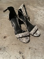 Heeled Black White Shoes 6