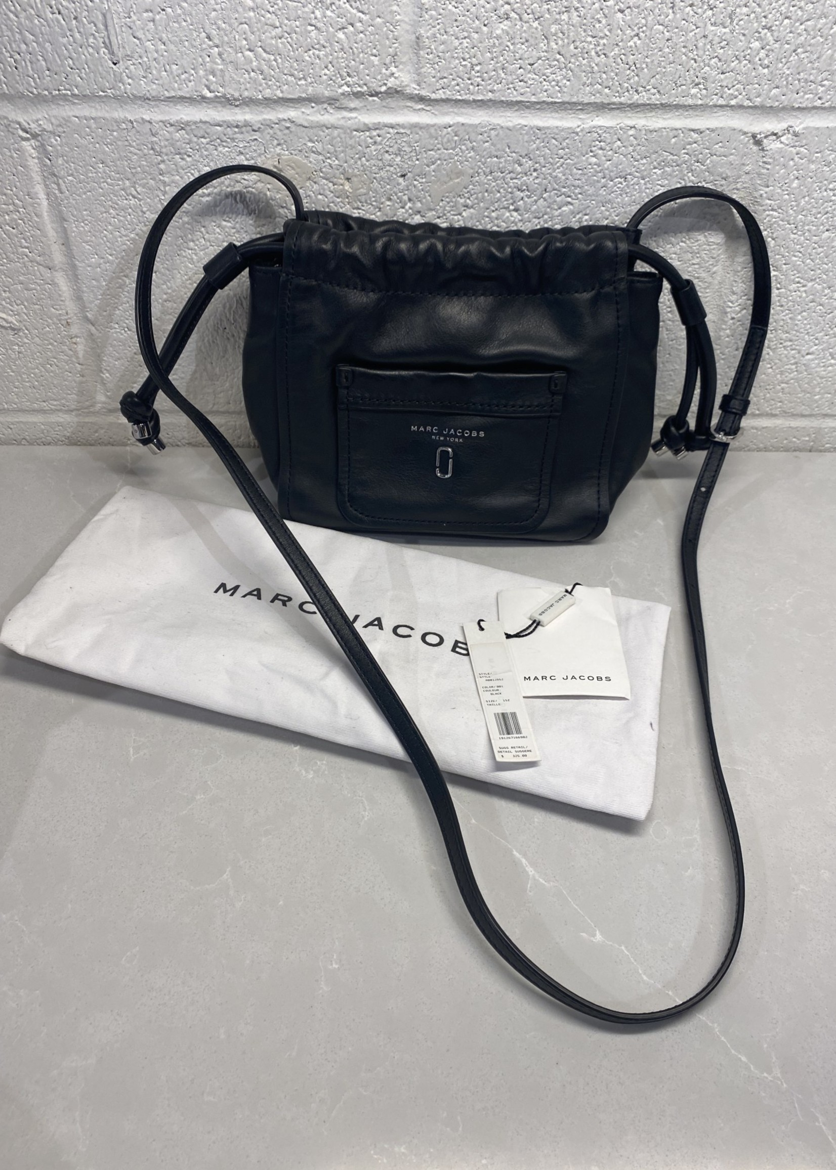 Marc Jacobs Black Cinch Bag (Retail $325)