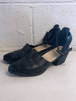 All Black Leather Pointed Toe Heeled Sandals 38