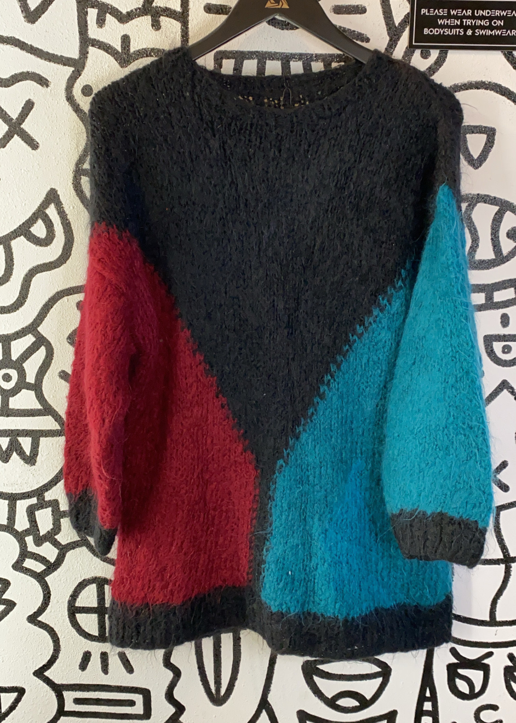 No label balck red and green knit sweater M