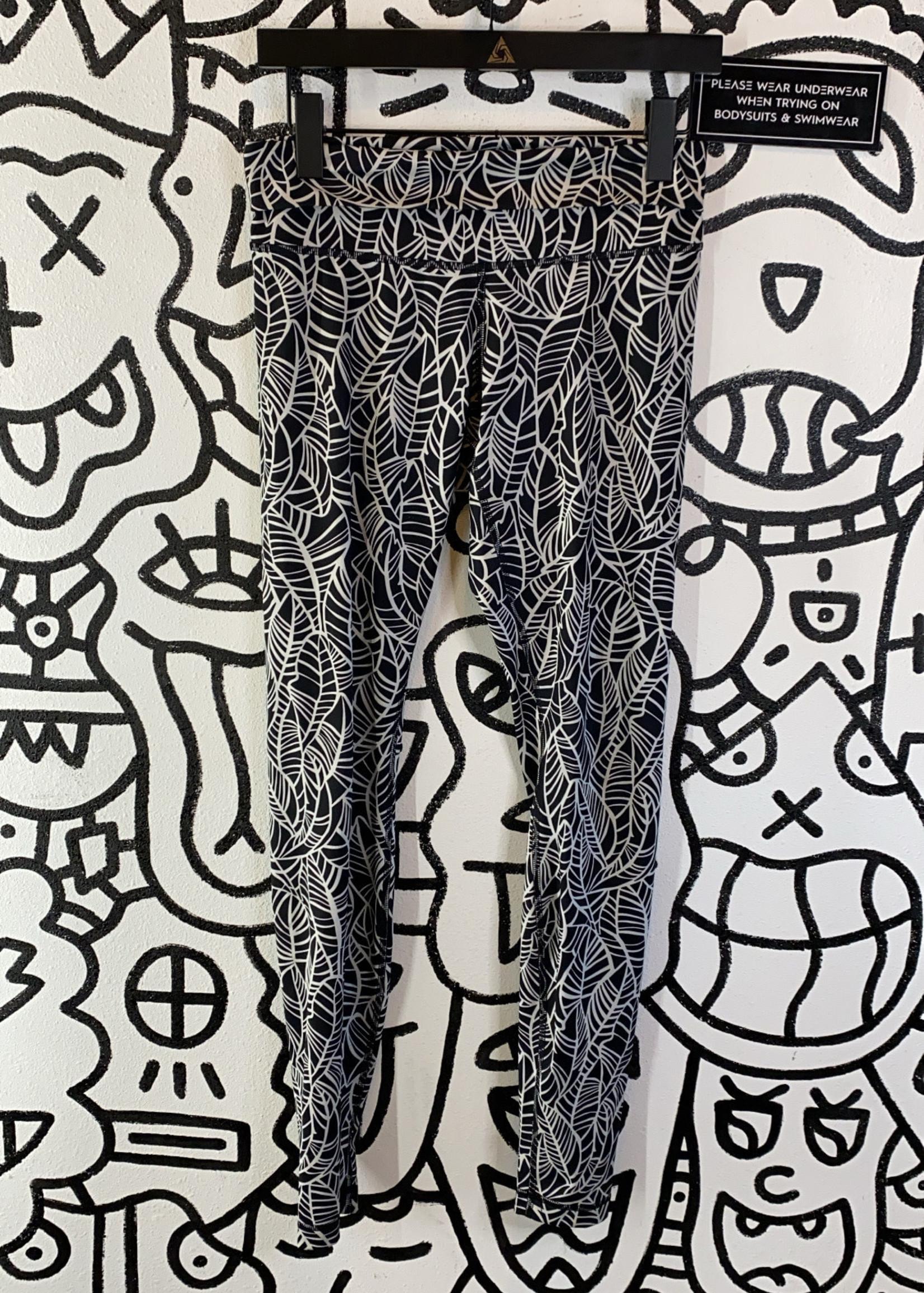 Lululemon Black Leaf Print Leggings 6