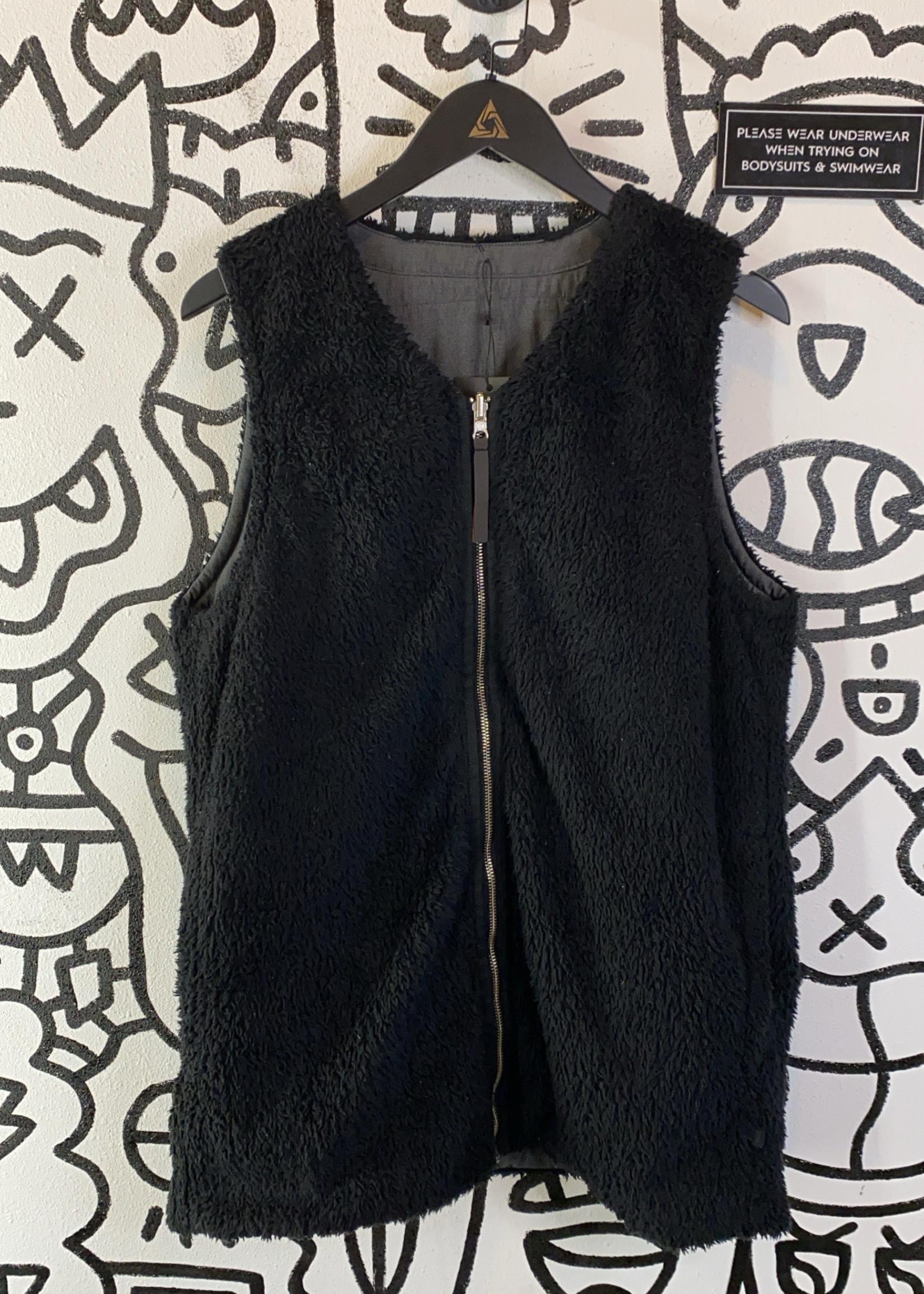 Lululemon Black/Grey Reversible Fuzzy Vest 6