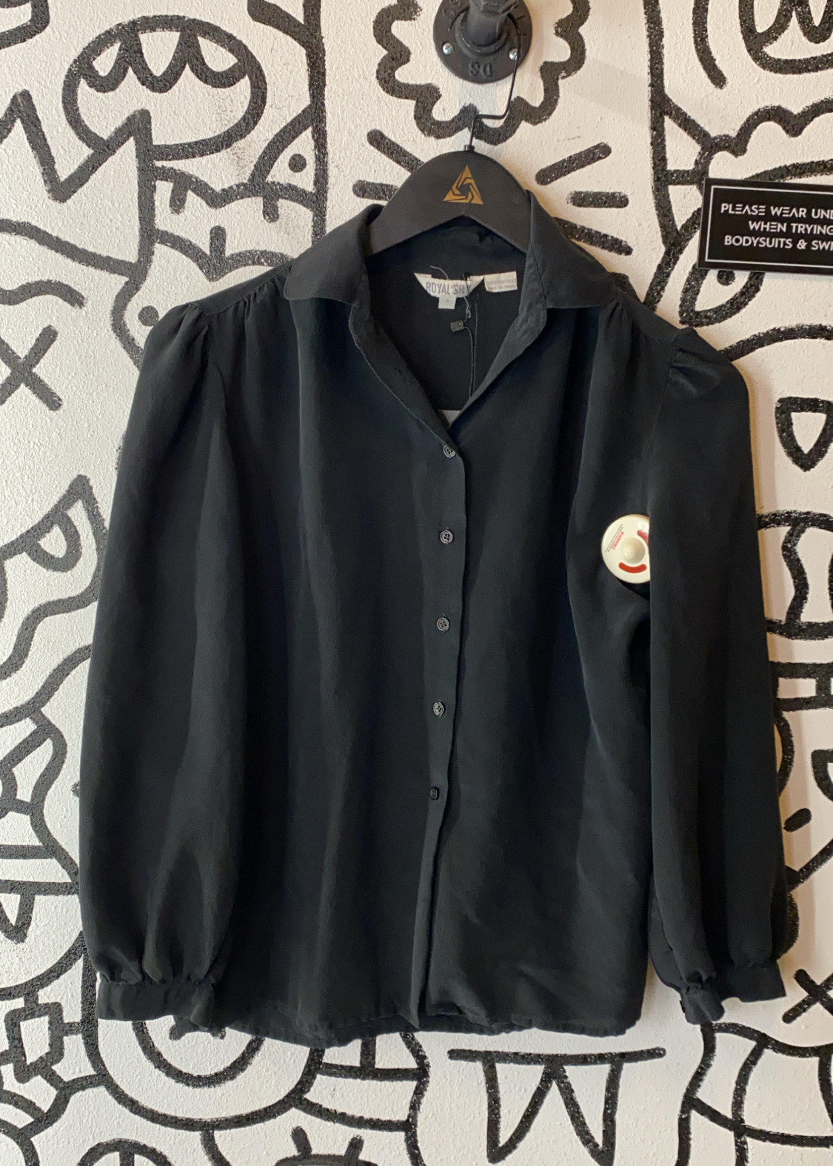 100% Silk Vintage Black 3/4 Sleeve Button Down S