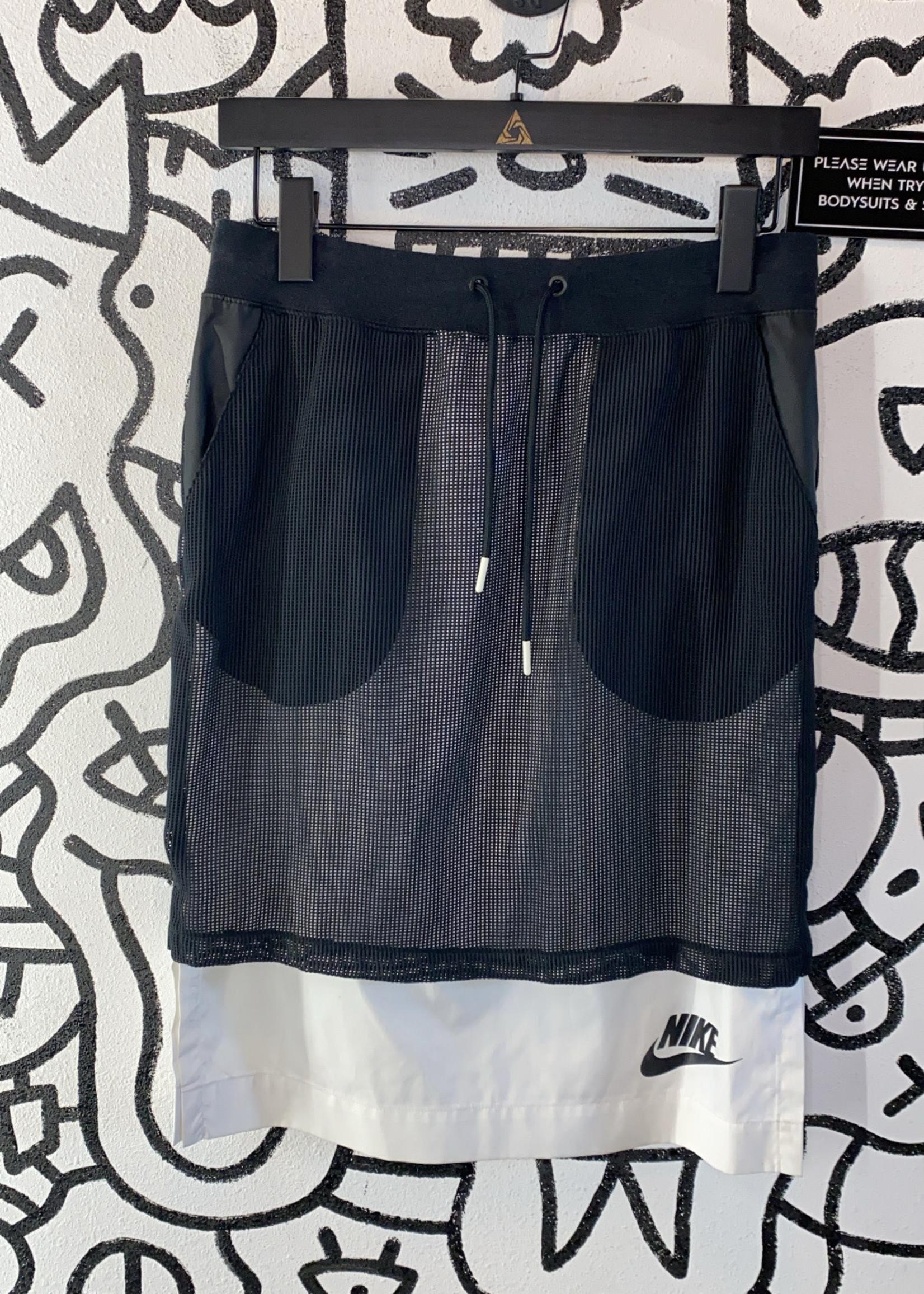 NWT Nike Layered Black White Skirt XS