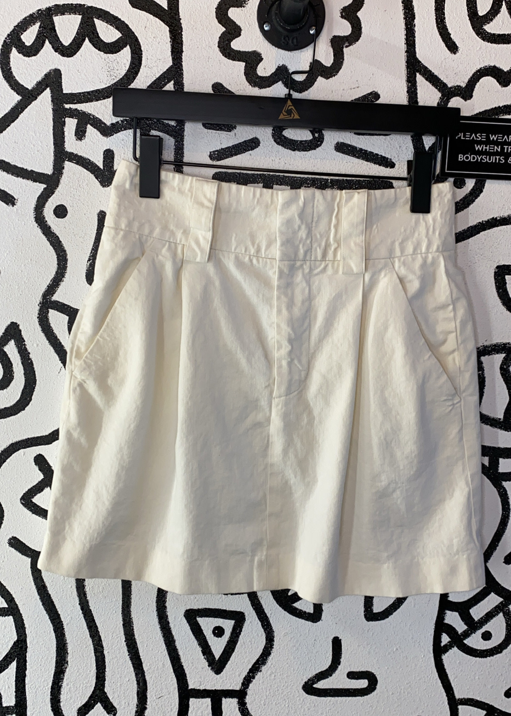 Alice+Olivia white high waisted trouser shorts 4