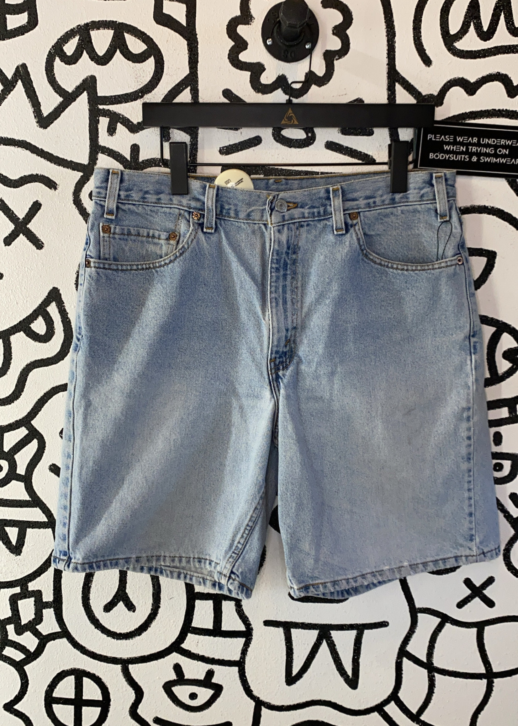 "Vintage Levi's 550 Light Wash Jean Shorts 34"""
