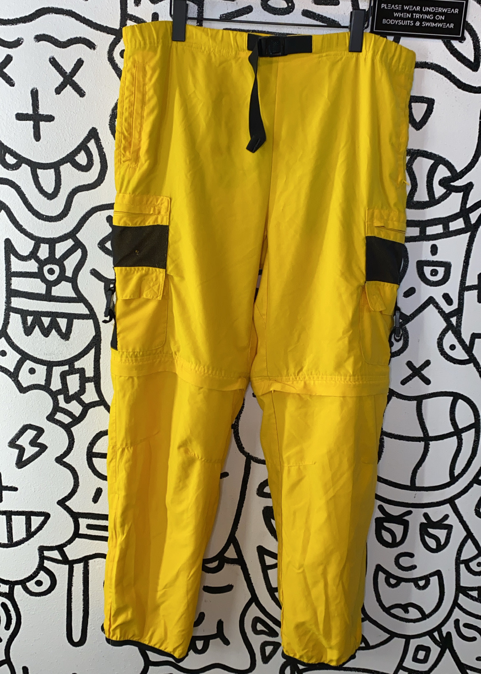 """Golds gym yellow cargo pants 38"""""""