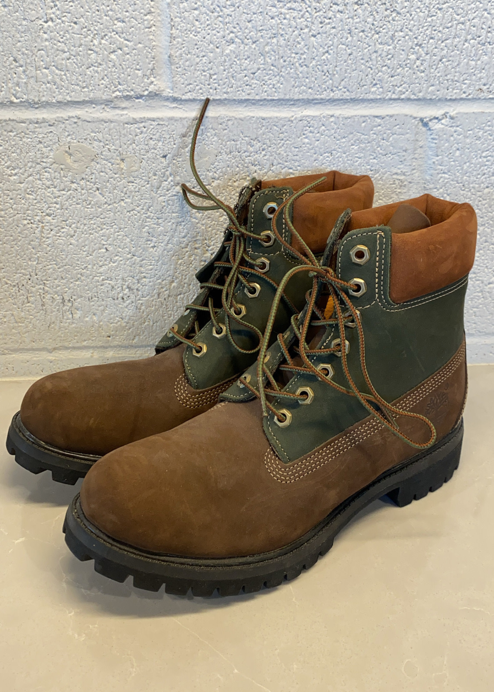 Timberland Brown/Green Suede Boots 8.5 (Retail: $200)