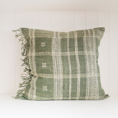 """Filling Spaces Akriti Slate 22"""" x 22"""" Pillow with insert"""