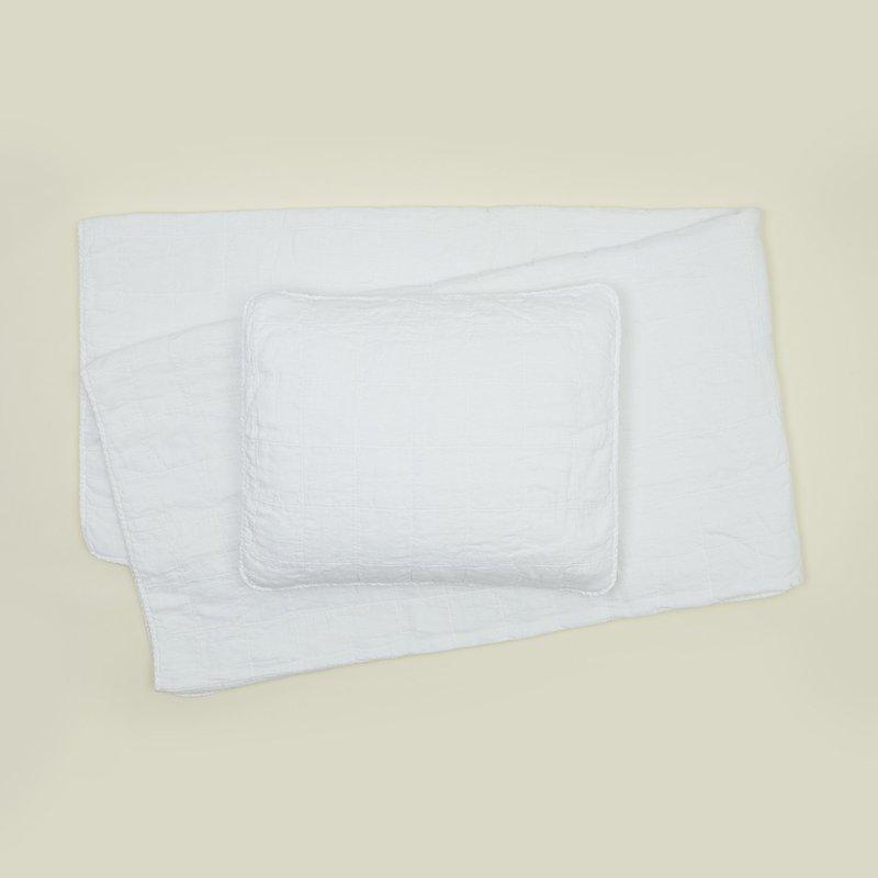 Hawkins New York Simple Linen Quilt, Queen- White