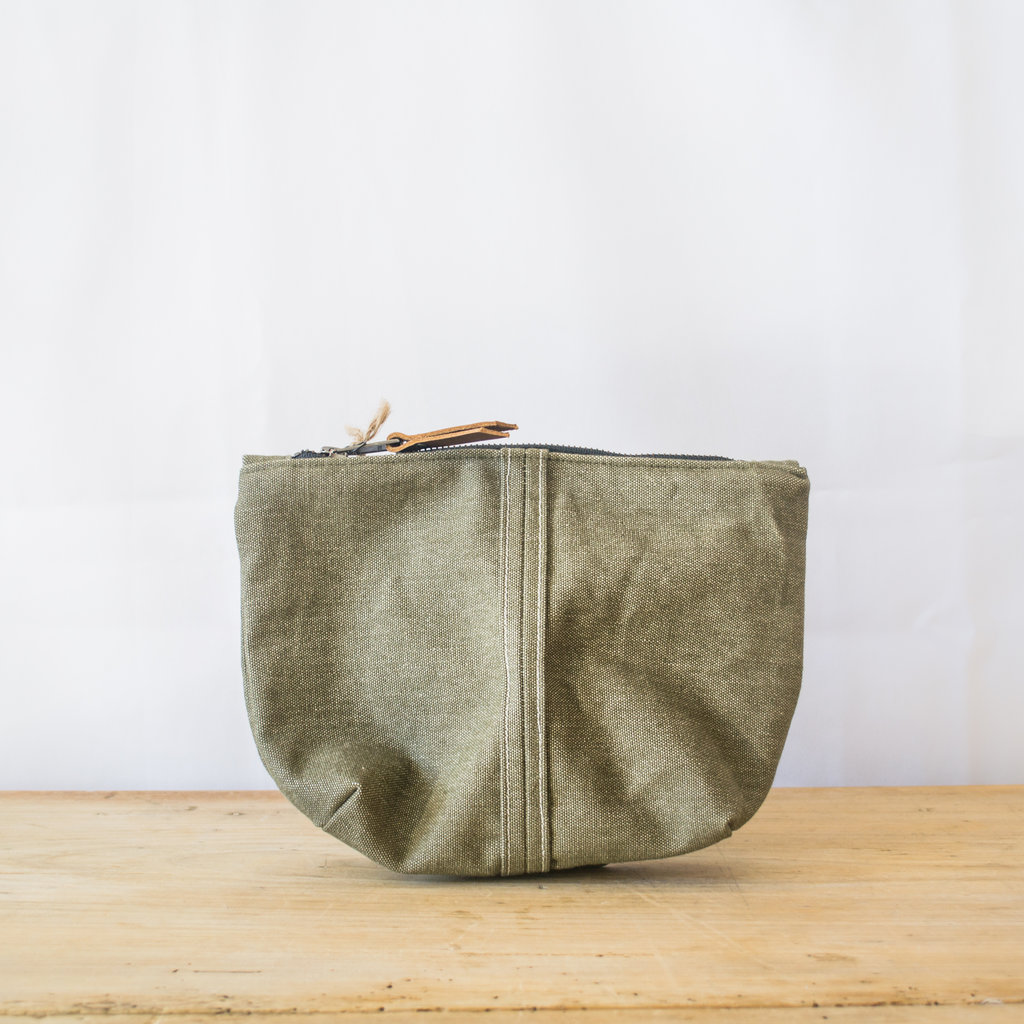 Adelene Simple Cloth Sturdy Boy Pouch