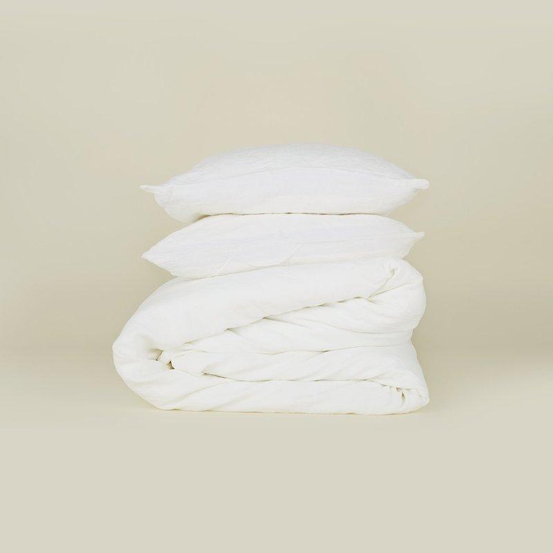 Hawkins New York Simple Linen Duvet Cover, King- White