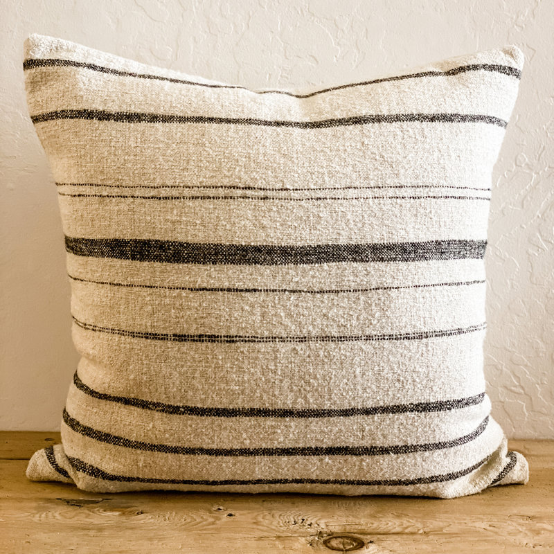 Uniquity/ MC America Nate Pillow - Natural and Black