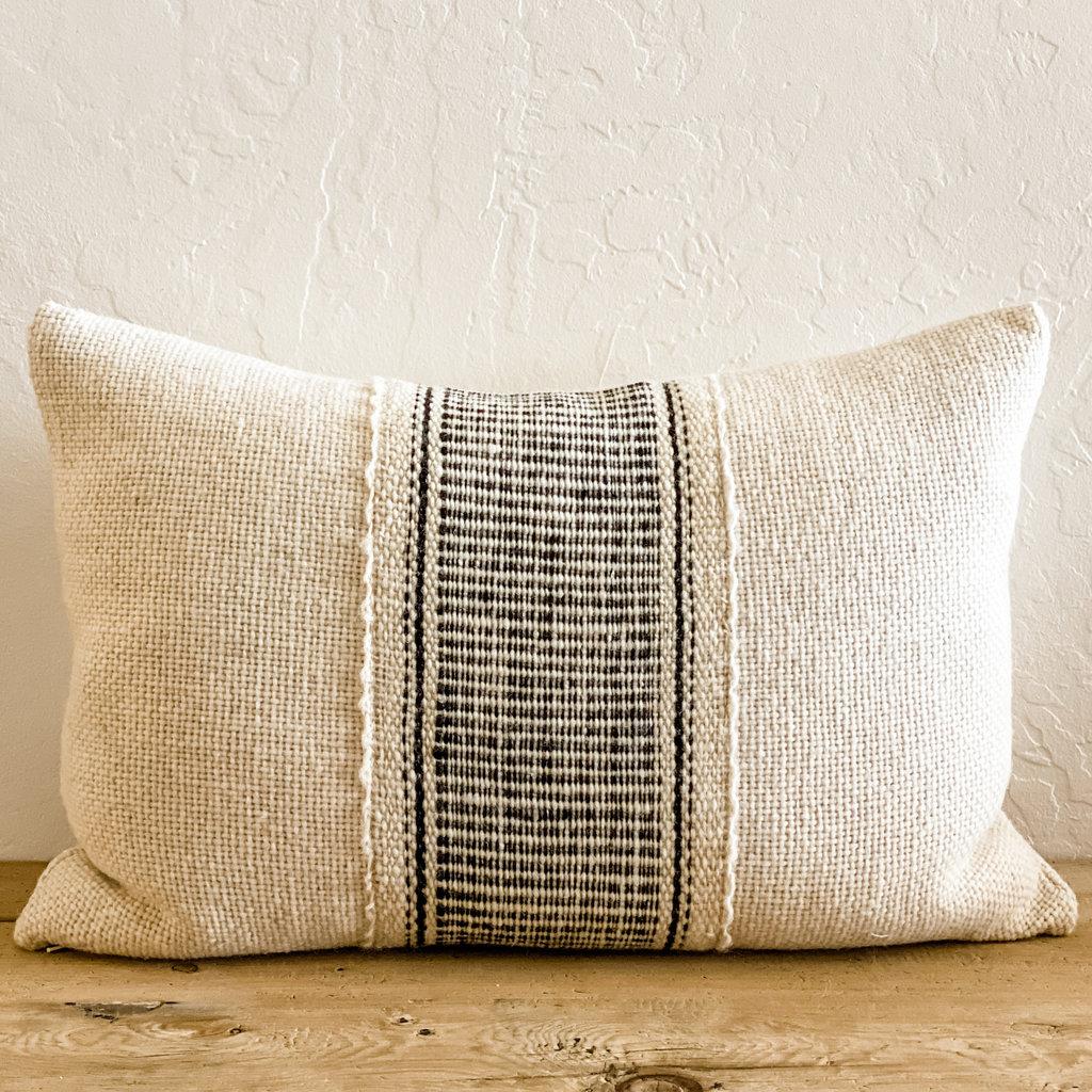 """Lazo White/Black Makun 24x15 """" Pillow"""