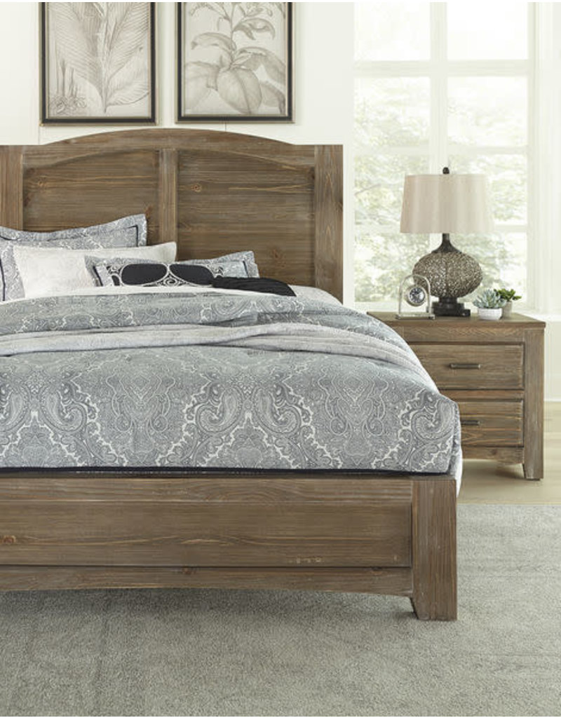 Vaughan Bassett Cottage Too Queen Mansion Complete Bed in Saddle Grey (72-559, 955, 922)