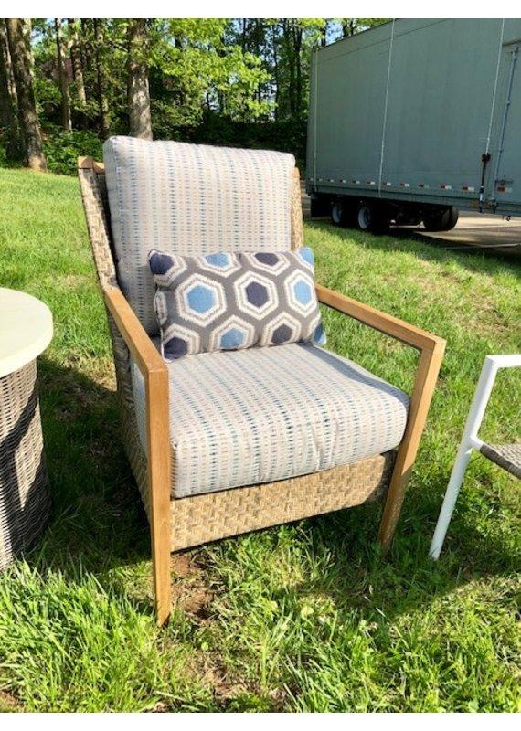 Lane Venture Cote D'Azur Lounge Chair & 12''x20'' Pillow
