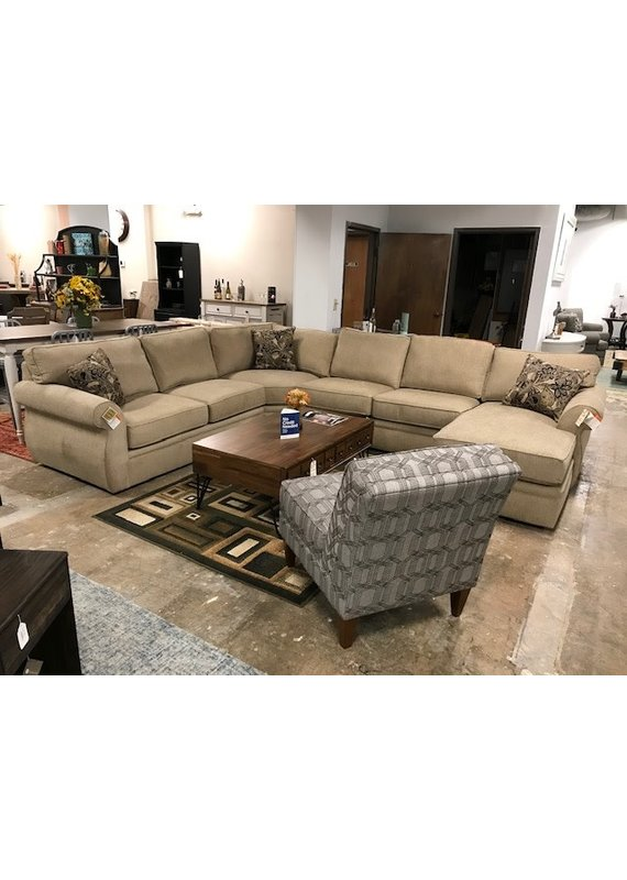 Stone & Leigh Veronica 4pc Sectional w/Right Arm Chaise