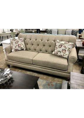 Vale Tufted Sofa (Nouveau Classic)