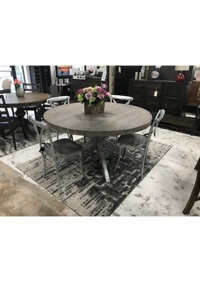 Villa 2 Gray Barn Dining Set