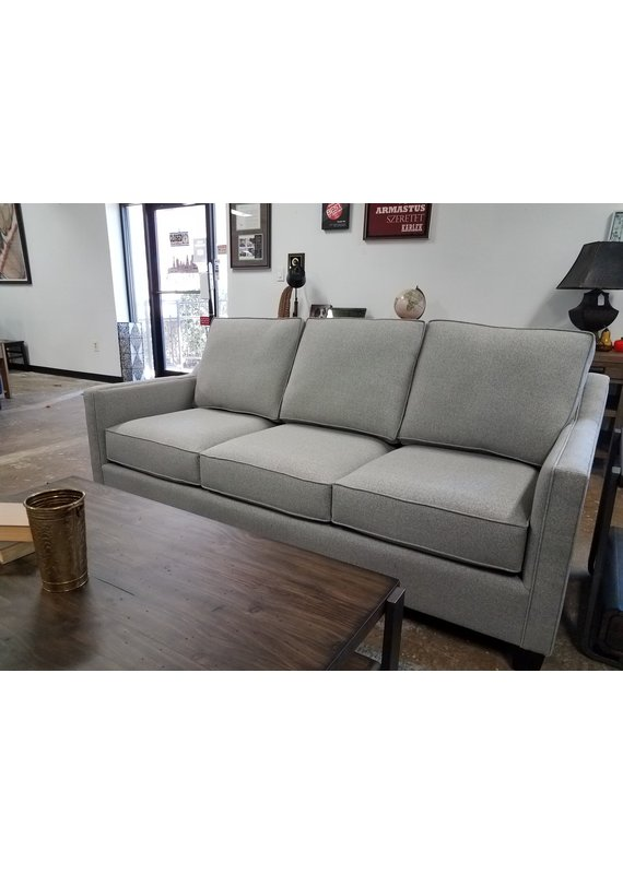 Hummingbird Note Sofa in Macarena Silver