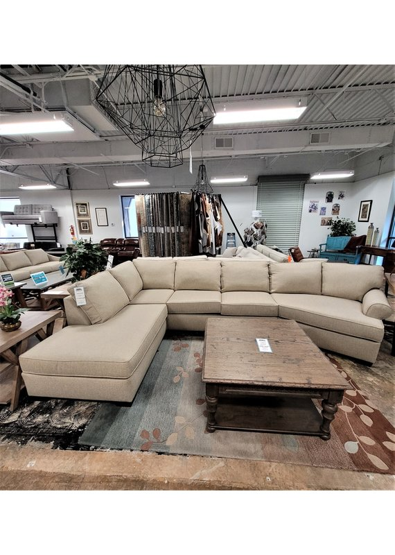 Stone & Leigh Emma 3pc Sectional Cuddler & Chaise  in Hanson