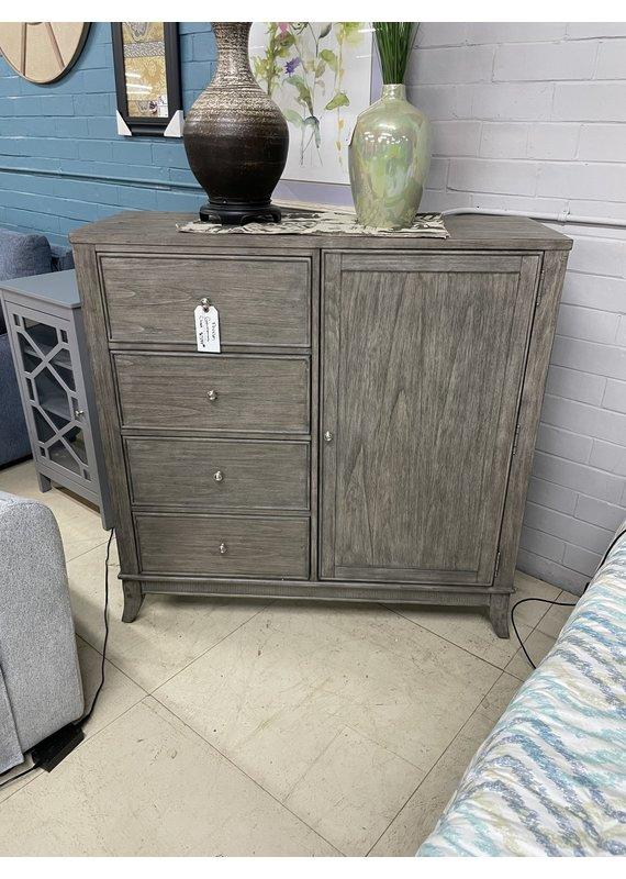 Avalon Furniture Avalon Door Chest
