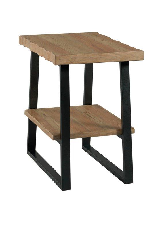 Hammary Montana Chairside Table