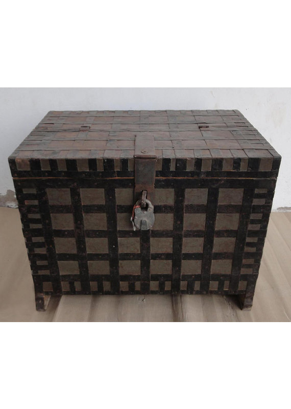 Porter Designs Wooden Box Table With Lock