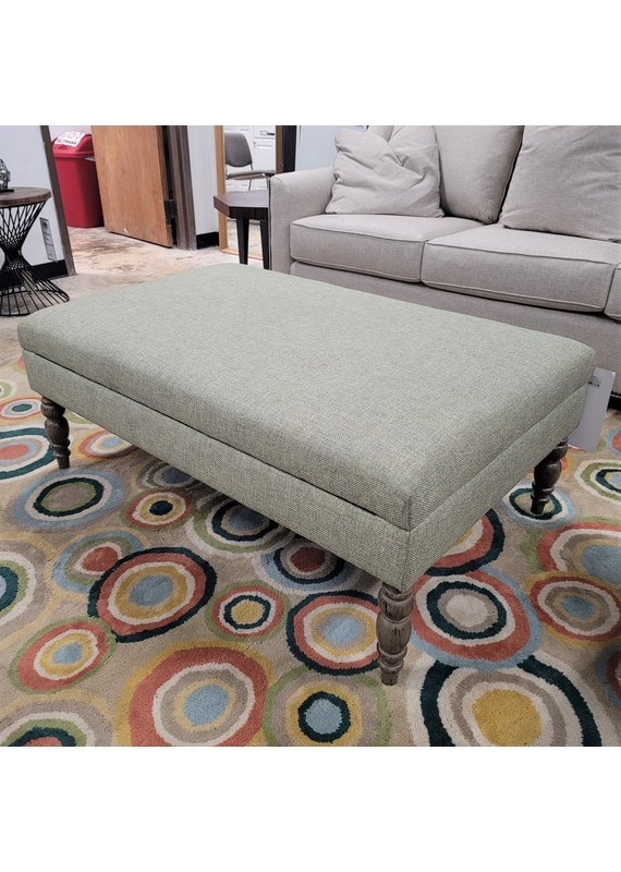 Kincaid Large Storage Ottoman with Turned Legs in Aberdeen Island