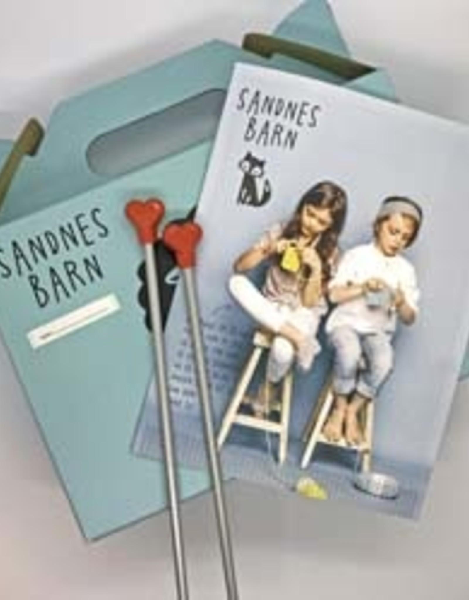 Sandnes Garn Kid's Knitting Kit - Teddy Brown / Party Pink