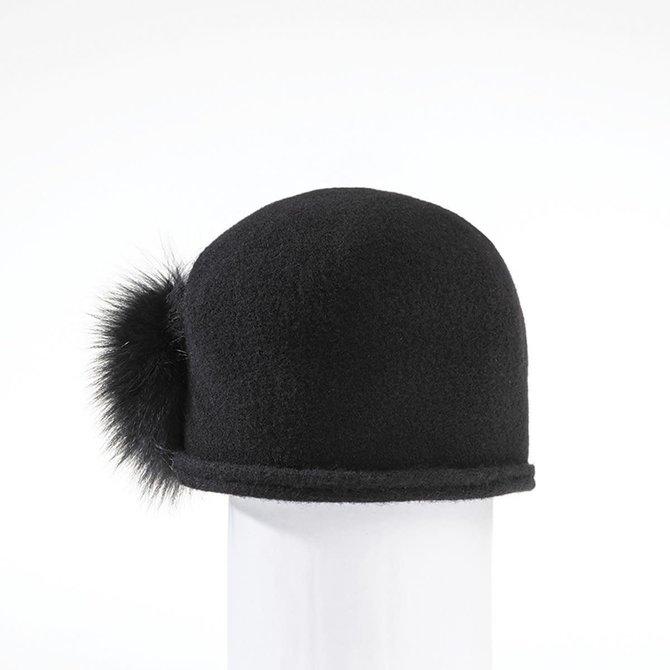 Canadian Hat Cici Ormos w. Side Pom