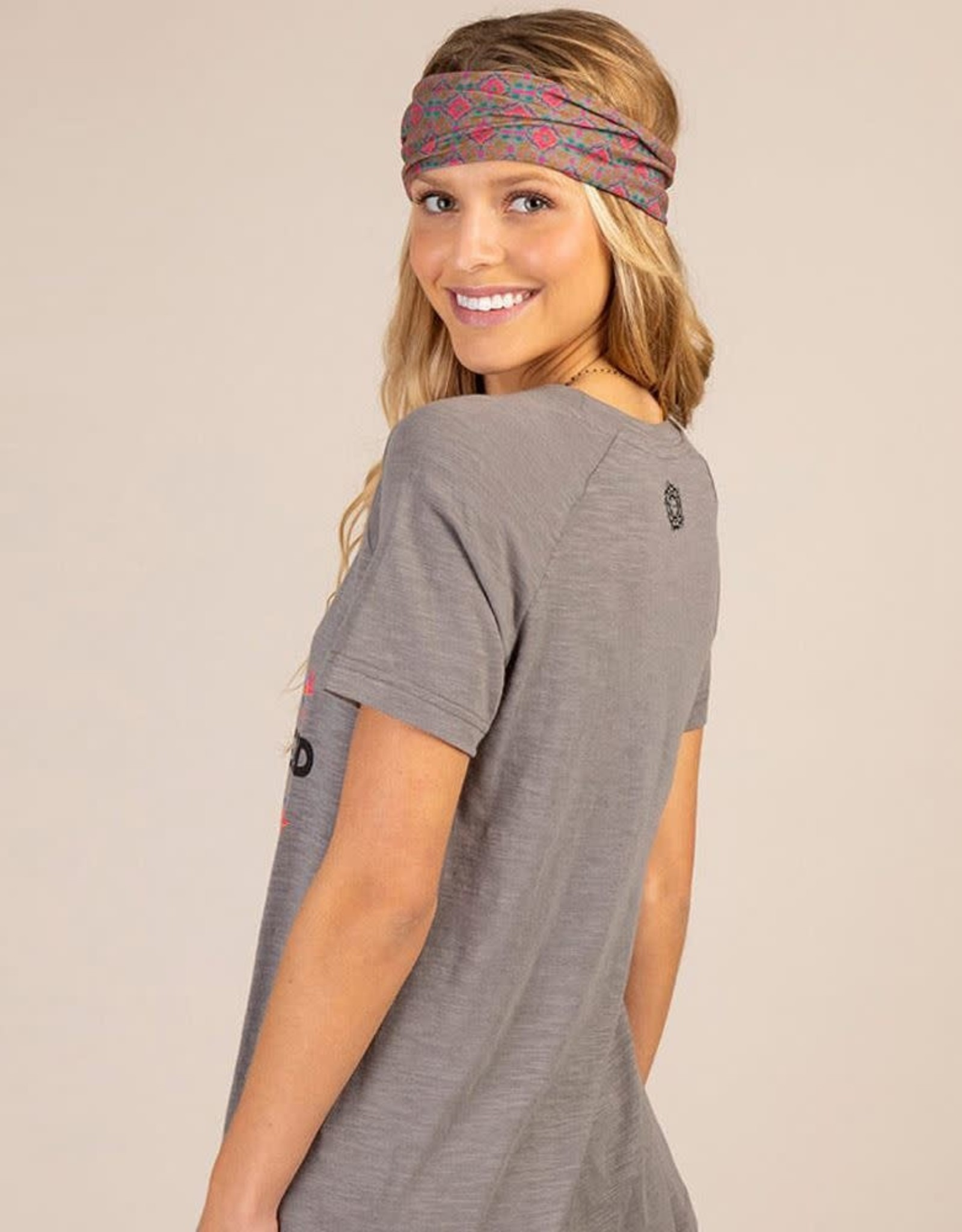 Natural Life Boho Tee Grey Love is all you need Small